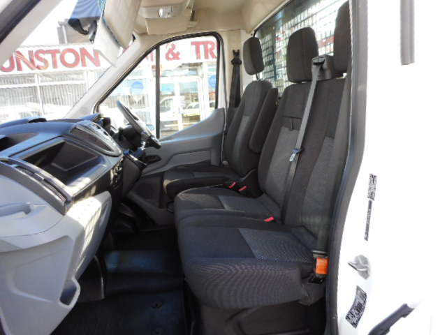 5f8bf97c9a ... seat tow bar bluetooth six speed ONLY 5